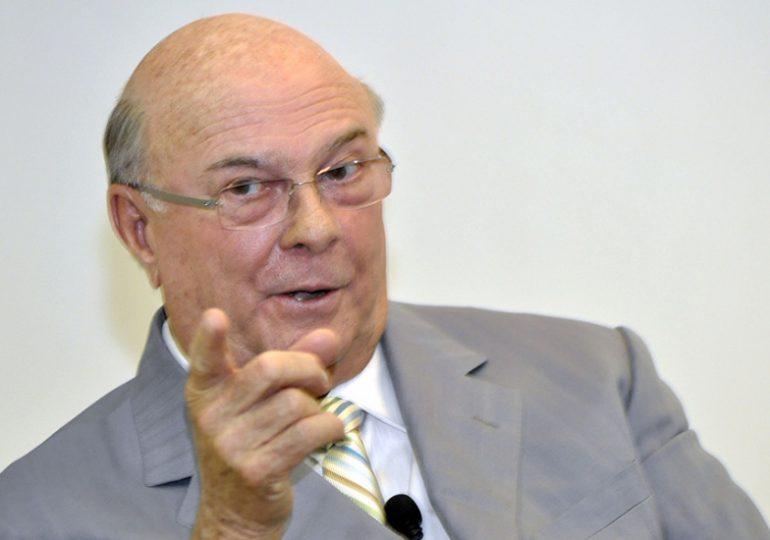 Hipólito Mejía aclara rumores de su supuesta candidatura presidencial