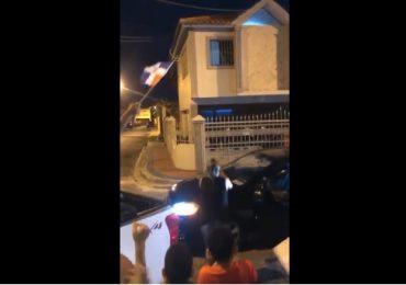 VIDEO | Protestan por construcción de Bomba sin permisos de la alcaldía de San Cristóbal