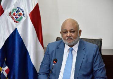 Ministro de Educación llama sector educativo a integrarse a docencia presencial el 6 de abril