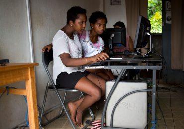UNICEF alerta sobre el incremento en el tiempo que pasan niños y jóvenes en la internet