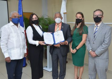 Exportadores obtienen registro de marca colectiva de aguacate criollo para comercializarse en EEUU