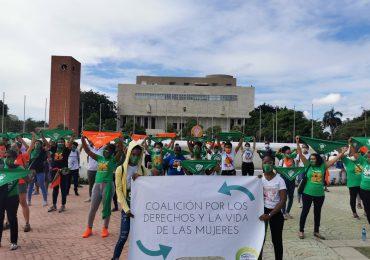 Anuncian movilización nacional a favor de las tres causales de aborto