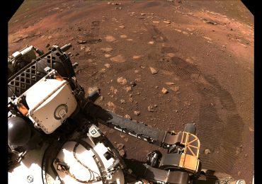 El explorador Perseverance recorre sus primeros metros en Marte