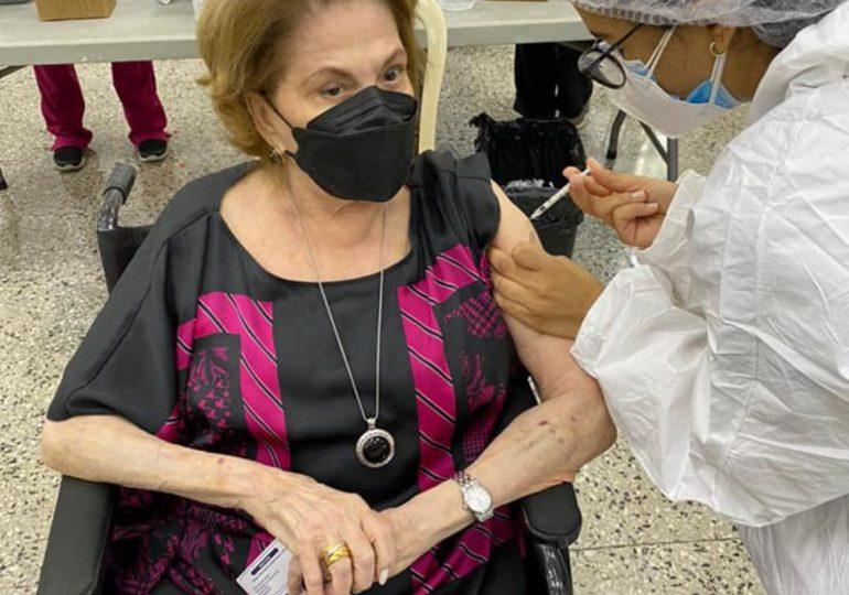 VACUNATE RD | 7,962 personas han sido inoculados en centro de la UNFHU