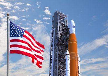 Exitosa prueba de NASA para lanzar un gigantesco cohete a la Luna