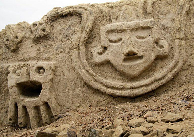 Descubren en Perú un mural prehispánico de 3,200 años