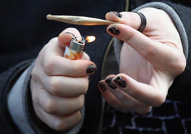 Estado de Nueva York aprueba ley que legaliza uso recreativo de la marihuana