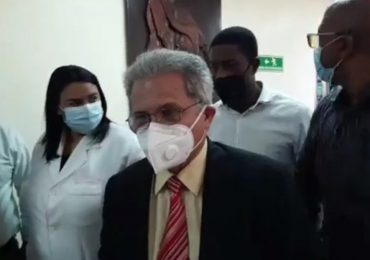 VIDEO | Médicos ya tienen 24 horas en huelga de hambre; CMD está reunido con ministro de Salud