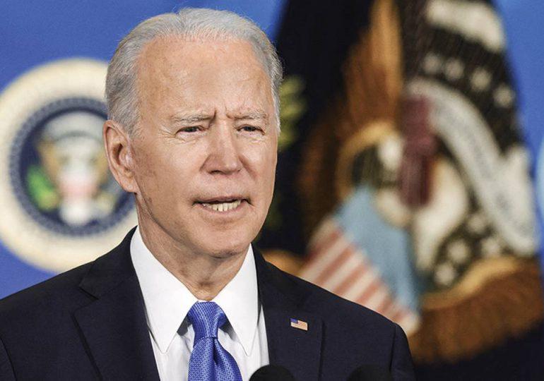 El gobierno de Biden, a la defensiva ante su primera crisis migratoria