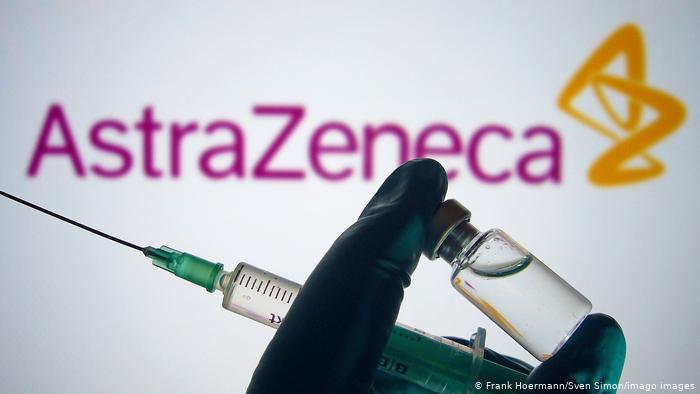 """Irlanda recomienda suspender por """"precaución"""" vacuna de AstraZeneca"""