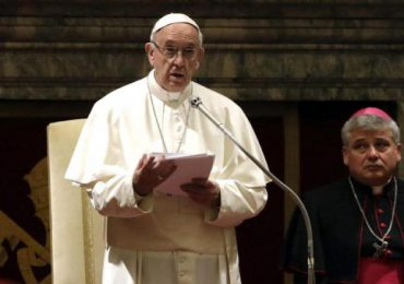El papa pide el fin de la guerra en Siria