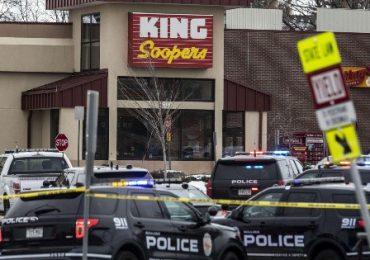 Diez muertos deja tiroteo en supermercado de Colorado