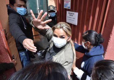 Trasladan a expresidenta de Bolivia a otra prisión en La Paz