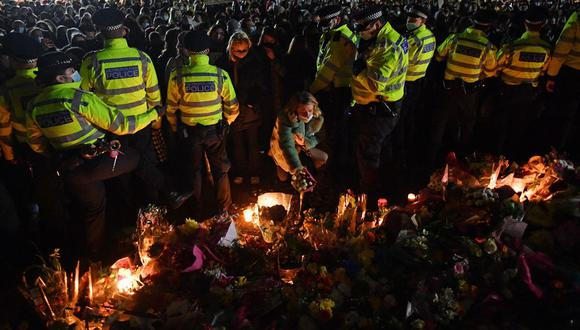 Críticas a la policía de Londres tras su intervención en homenaje a mujer asesinada