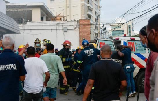 VIDEO | Incendio en farmacia Los Hidalgos de la avenida Abraham Lincoln