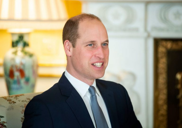 """La familia real británica """"no es racista"""", responde el príncipe Guillermo"""