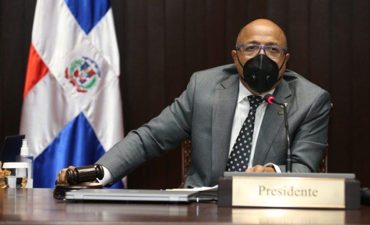 Alfredo Pacheco dice revisará ternas de adjuntos del Defensor del Pueblo, si el Senado las devuelve