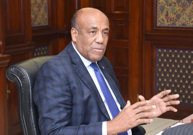 Ministro Almonte valora convocatoria del CES para tratar 14 puntos del Pacto Eléctrico