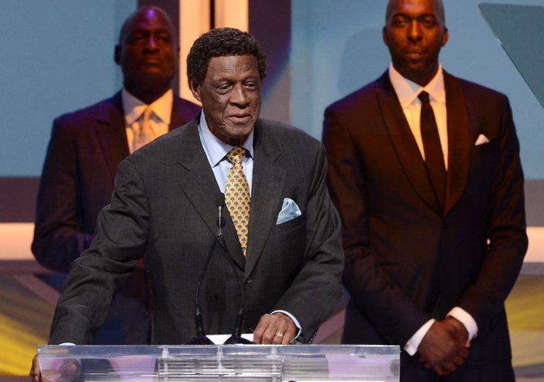 Elgin Baylor, leyenda de Los Angeles Lakers, fallece a los 86 años