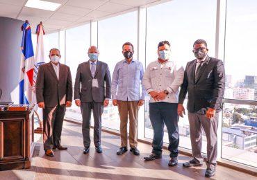 Ministro de Industria y Comercio se reúne con Embajador de Panamá