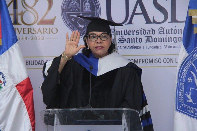 UASD inviste 1008 nuevos profesionales de Grado y Postgrado en ceremonia virtual