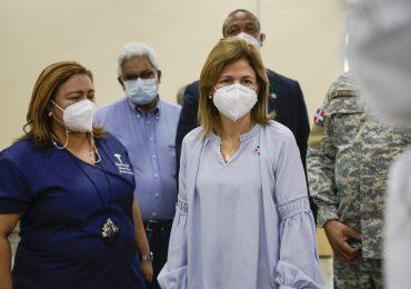 Raquel Peña visita la UNPHU para supervisar jornada de vacunación