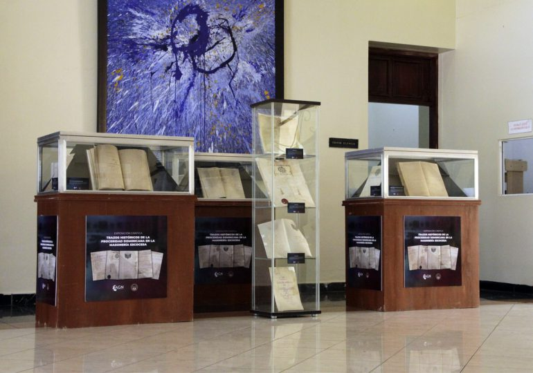 Inauguran exposición de documentos Masonería Escocesa