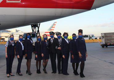 American Airlines celebra el Día de la mujer con tripulación compuesta exclusivamente por mujeres