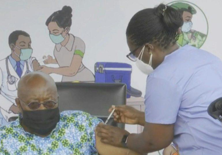 Primera vacuna gratuita anticovid-19 del Covax, en plena batalla mundial por acceso a las dosis