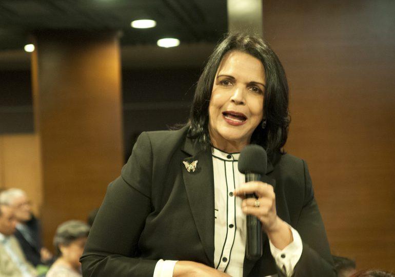 Minou Tavarez apoya propuesta de incluir paridad en Leyes Electorales