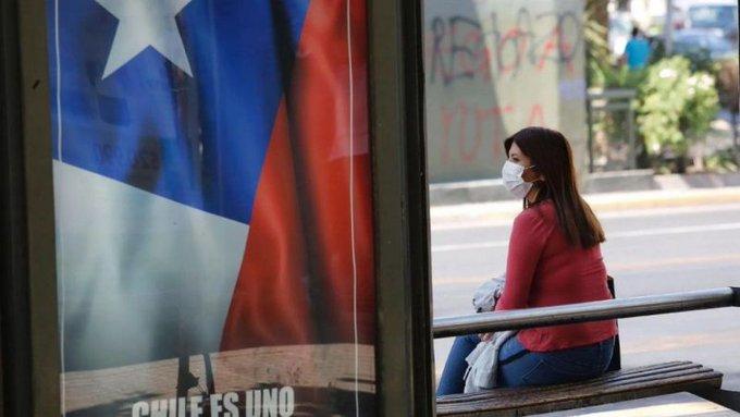 Chile vuelve a confinarse siete meses después por fuerte alza de contagios