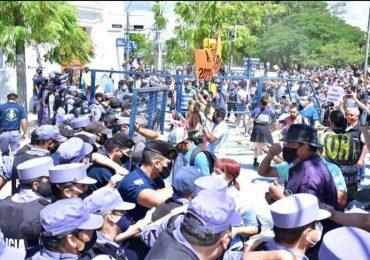 Fuertes disturbios en Argentina por regreso a cuarentena estricta