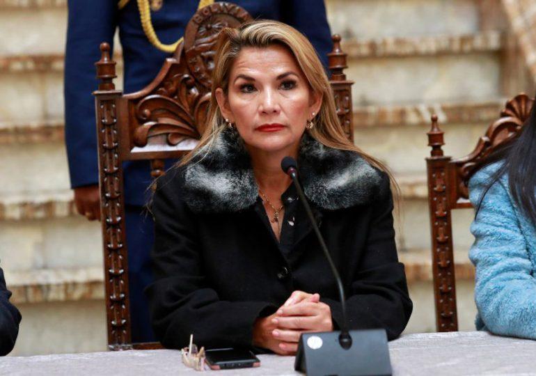 Oposición en Bolivia rechaza en bloque detención de expresidenta Jeanine Áñez