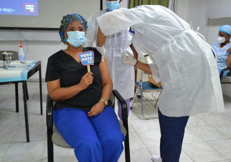 Centro de Gastroenterología inicia jornada de vacunación contra el Covid -19