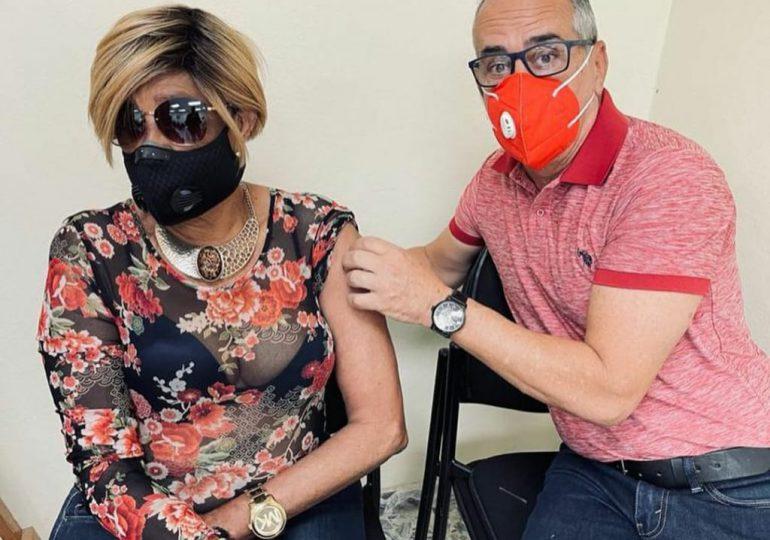 #VacúnateRD   Fefita, Huchi Lora y Rafael Alburquerque entre los vacunados hoy contra Covid-19