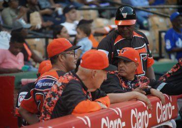 Toros anuncian regreso de Lino Rivera y Phil Regan