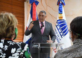 El 42% del personal del Ministro de Interior y Policía es femenino, asegura Chú Vásquez
