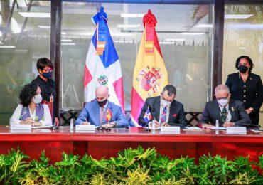 JCE y España firman convenio sobre participación político electoral de mujeres en RD