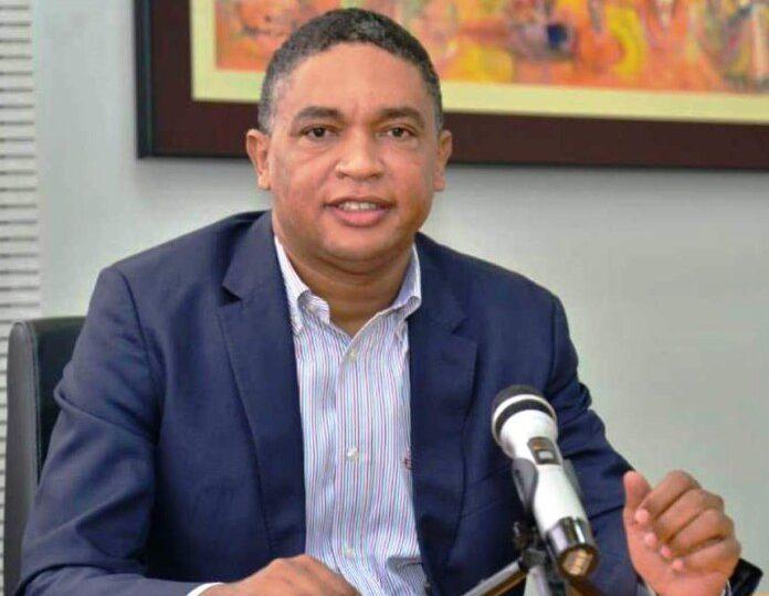 Senador Iván Lorenzo hace un llamdo al Gobierno para pagar prestaciones laborales pendientes