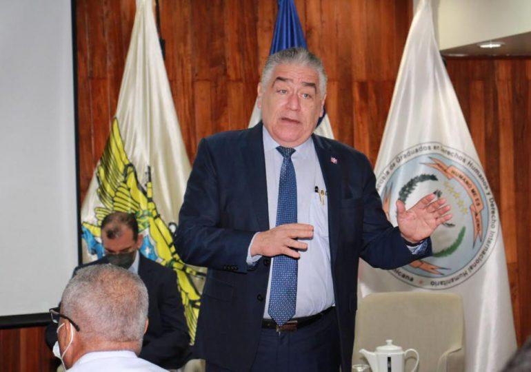 Soto Jiménez imparte conferencia para futuros agregados militares