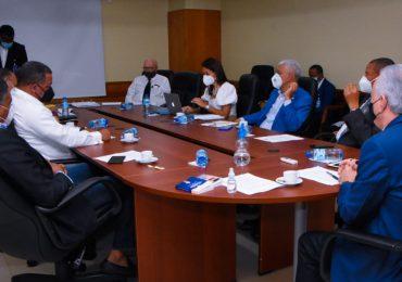 Senadores y el INTRANT discuten proyecto de ley de amnistía en el pago de multas