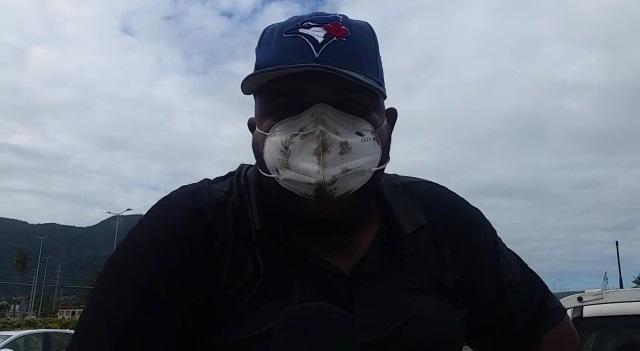 VIDEO | Hombre amenaza con inmolarse si no le pagan sus prestaciones laborales en Puerto Plata