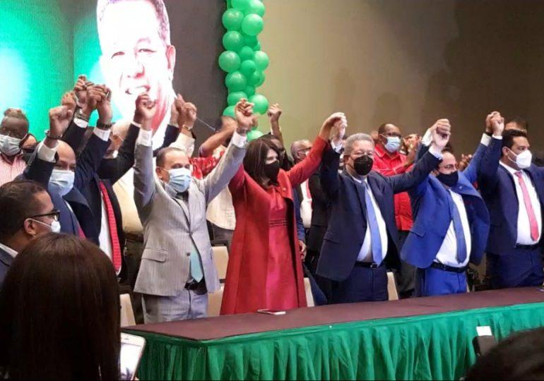 Leonel juramenta en la FP a la diputada Lourdes Aybar, Elías Serulle y varios exdirigentes del PLD