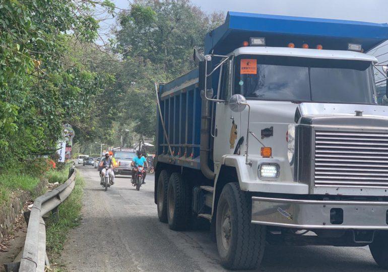 El 26 de marzo entra en vigencia regulación de vehículos pesados en la entrada principal a Jarabacoa los fines semana