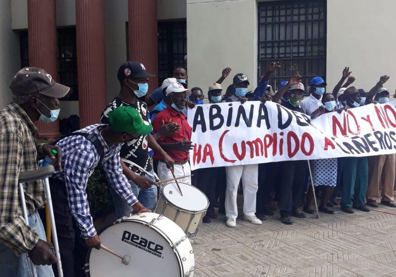 VIDEO   Cañeros se quejan de que Luis Abinader no les ha cumplido