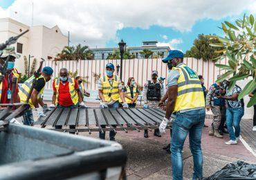 ADN derriba verja perimetral construida ilegal en callejón peatonal en San Carlos