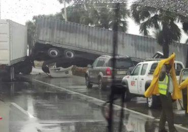 Accidente en kilómetro 19 de la autopista Las Américas