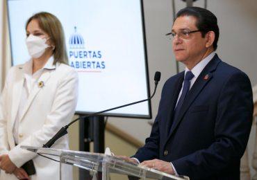Ministro de Salud afirma RD está camino a la normalidad tras inicio de VacúnateRD