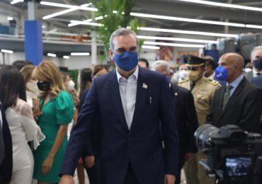 Presidente Abinader garantiza funcionamiento de centros de vacunación para segunda dosis contra COVID-19