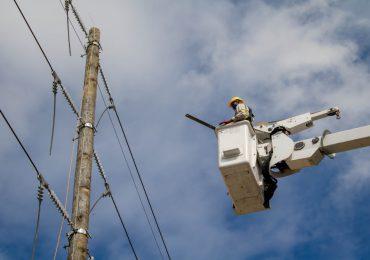 Suspenderán el servicio eléctrico en las provincias Peravia, Distrito Nacional, Puerto Plata y Barahona este sábado